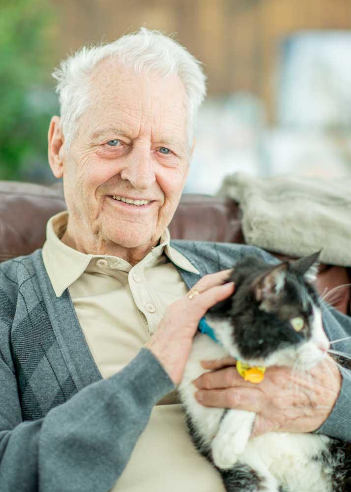 senior-with-cat
