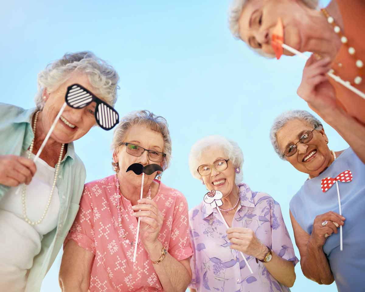 seniors-celebrating